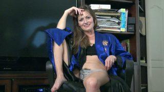 Vanessa Bush gives a sexy.. Wearehairy.com – moviesxxx.cc
